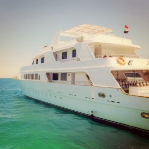 Chartered Yachts - AssistAnt