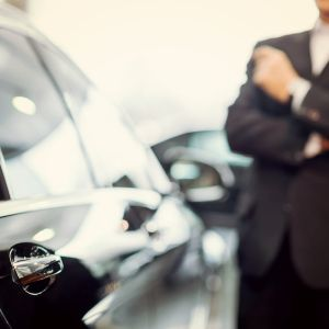 Chauffeur Services and Limousines - AssistAnt