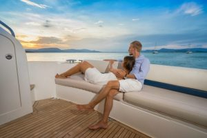 assistant-luxury-vacations-in-bahamas-yacht-charter