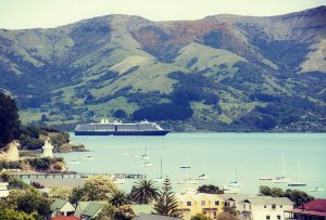 Luxury New Zealand Travel - Luxury Cruises - AssistAnt