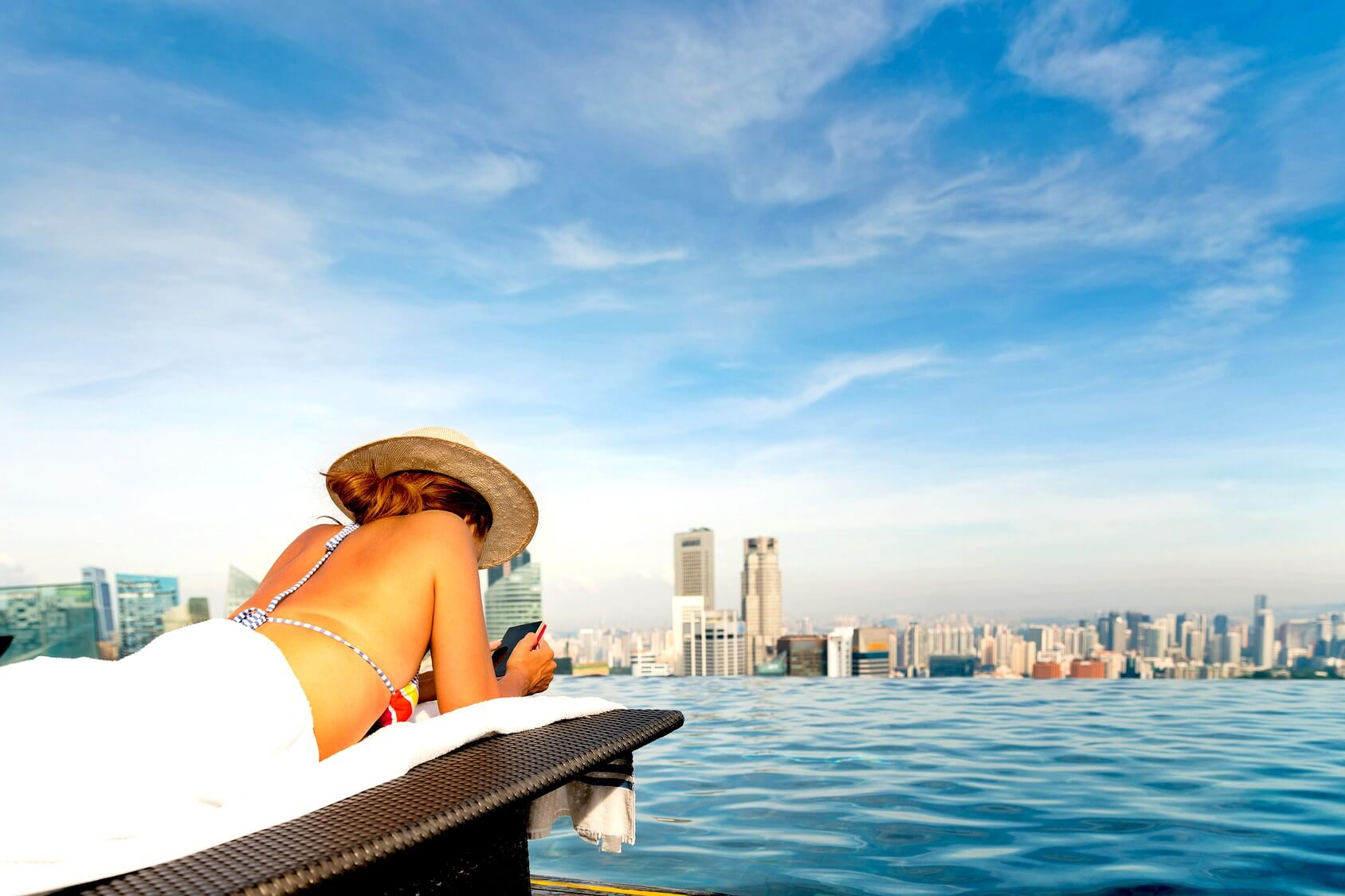Safest Places To Travel - Rooftop Pool In Singapore - AssistAnt Luxury Travel