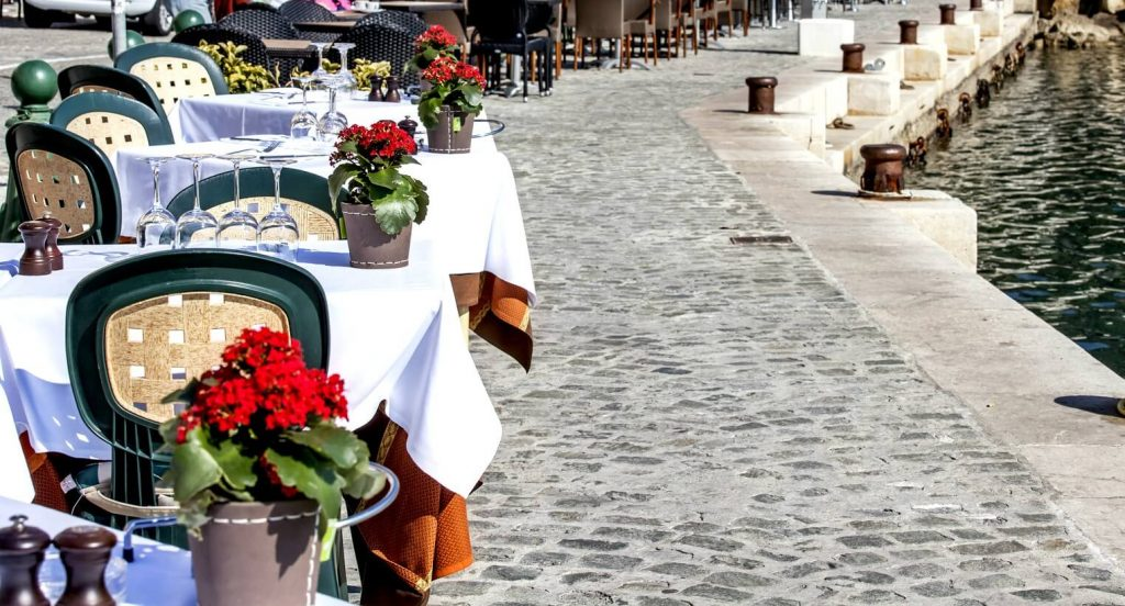 Luxury Beach Resorts In France - fine dining - AssistAnt luxury travel