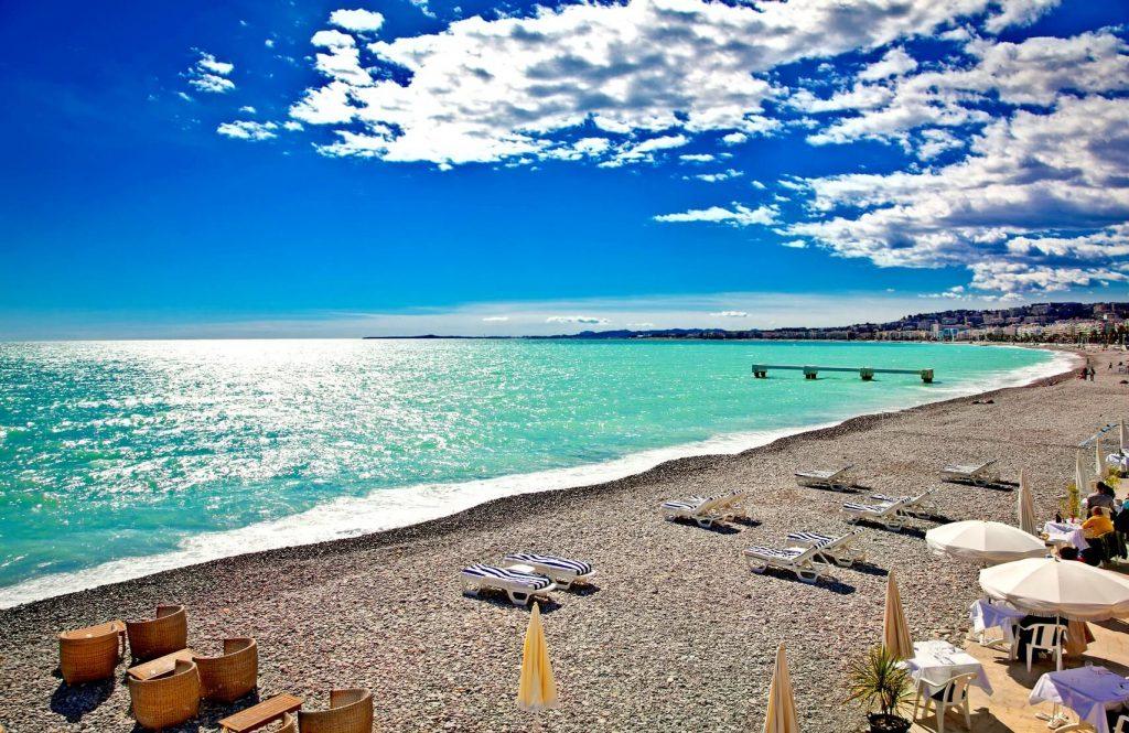 We analyzed luxury beach resorts in france these are the for Best luxury beach resorts in the world