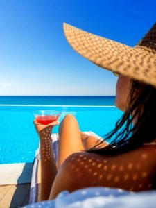 hotel pools in Miami - best infinity pools - AssistAnt luxury travel