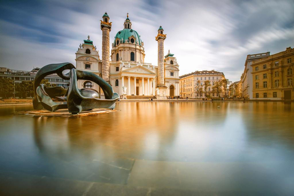 Vienna Austria Sightseeing - AssistAnt