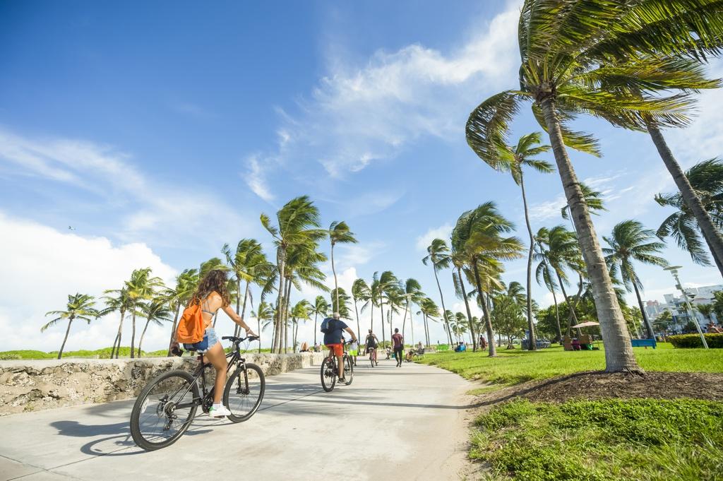 Lummus Park Beach Miami Florida - AssistAnt Travel