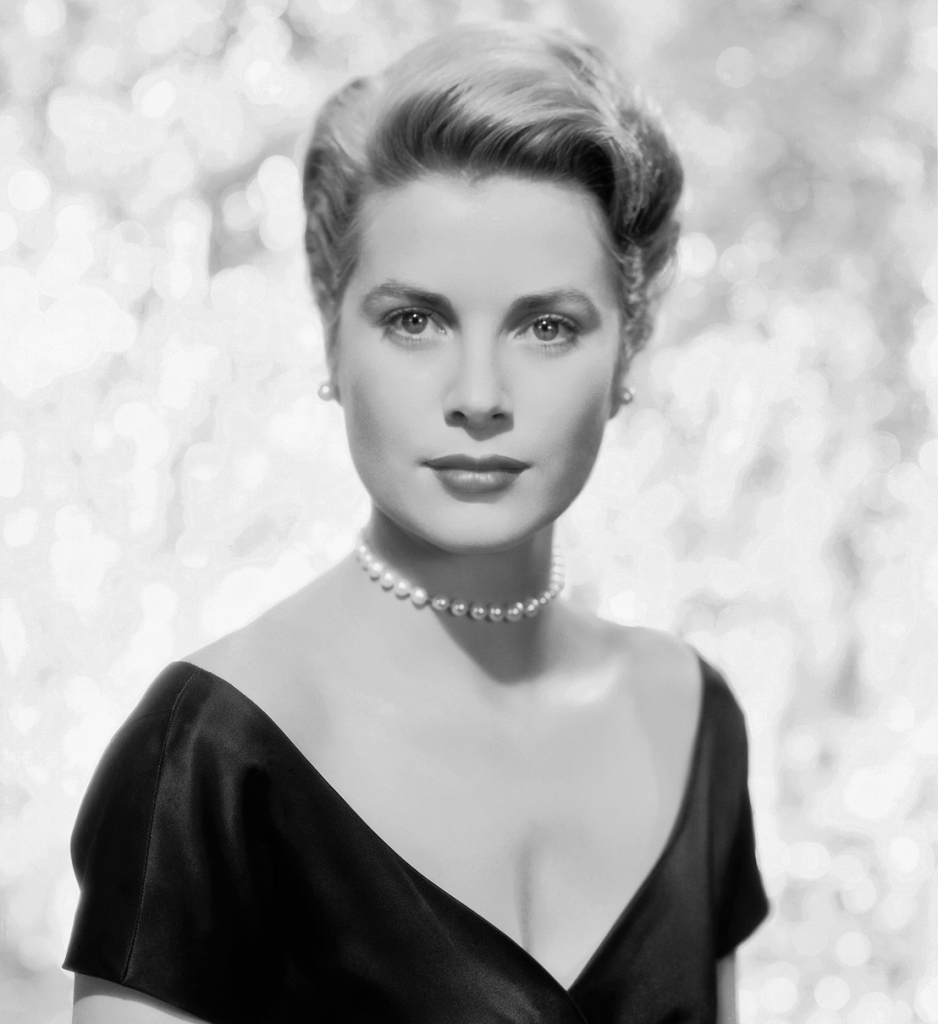 Rose Ball Grace Kelly - AssistAnt Travel