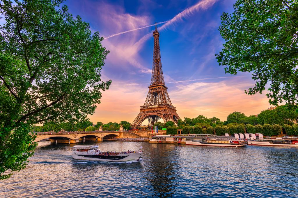 VIP Transportation Paris CDG - AssistAnt Travel