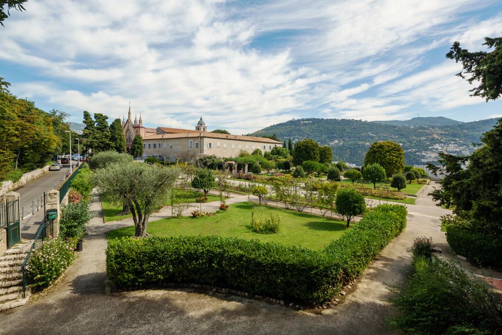 Monastere de Cimiez Nice France Luxury Car - AssistAnt