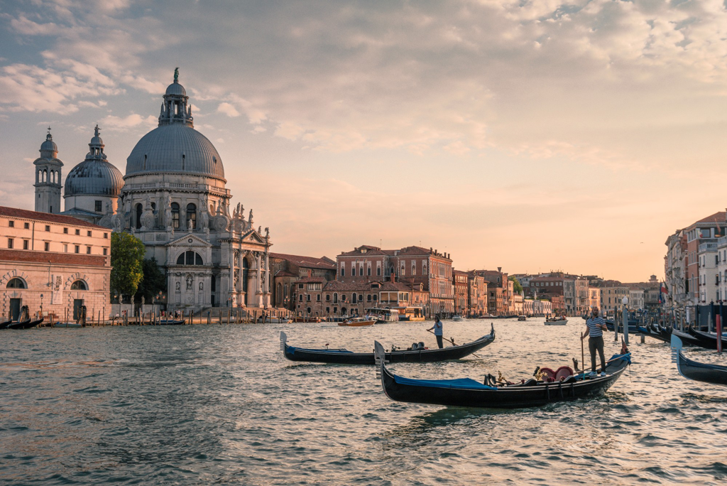 Things to do in Venice Italy - AssistAnt