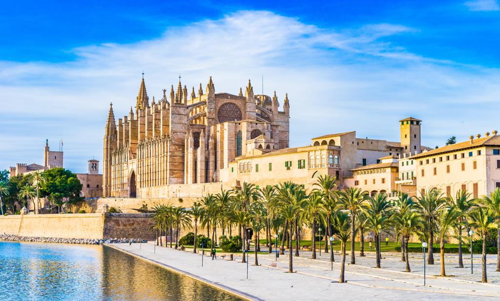 Santa Maria Cathedral Palma de Mallorca - AssistAnt Travel