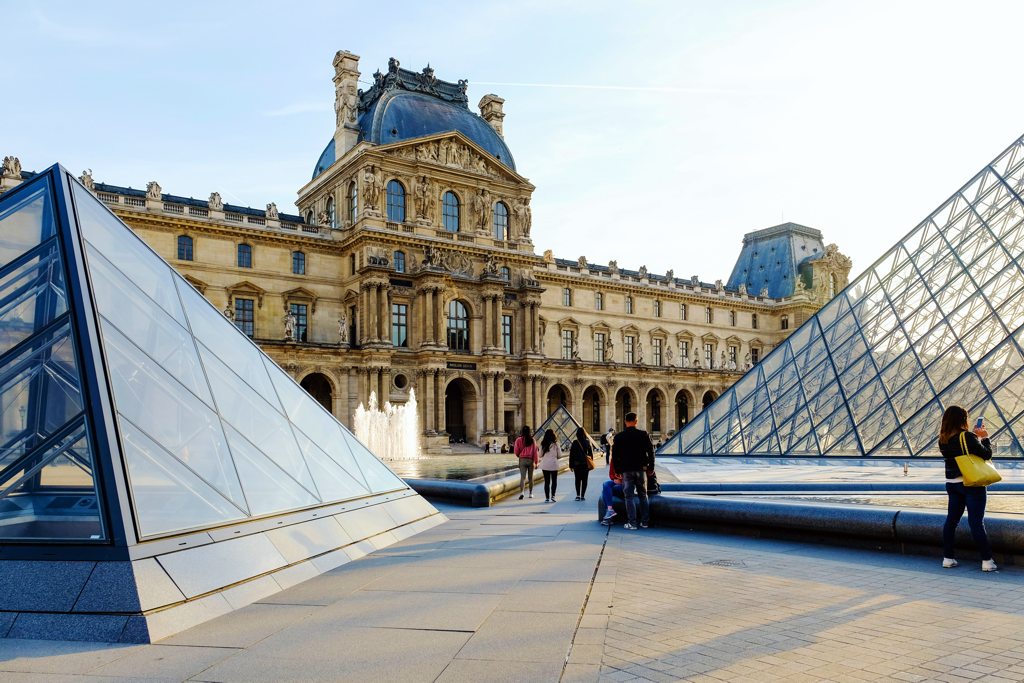 Secrets of Paris - Louvre - AssistAnt Travel