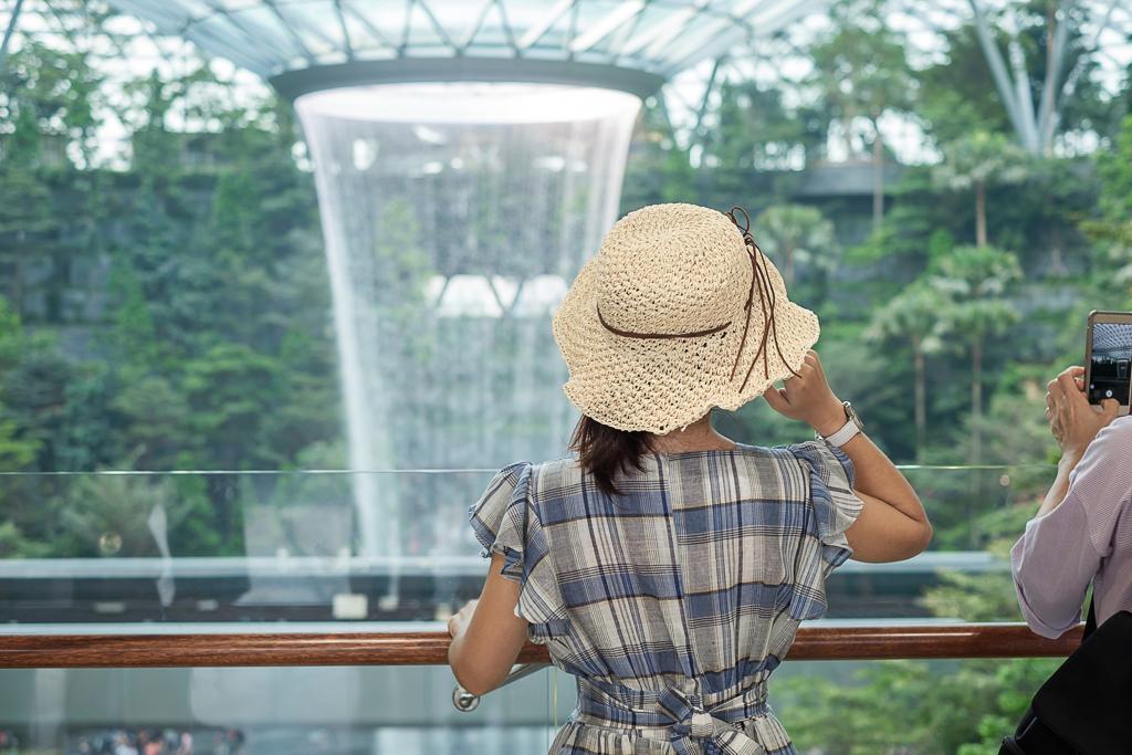 Singapore Airport Transportation - AssistAnt Travel