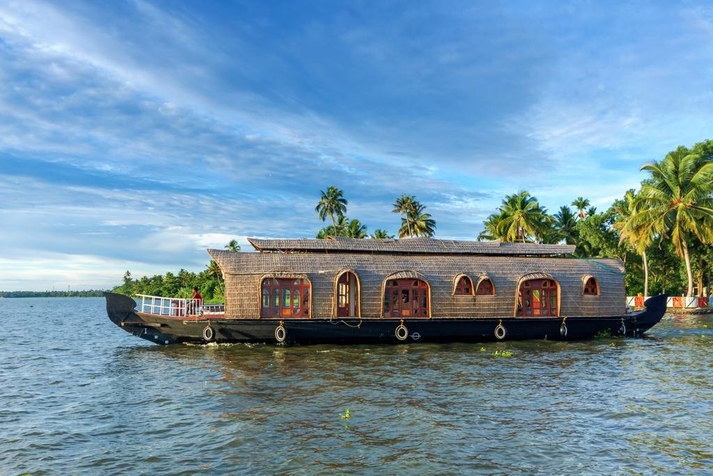Kumarakom Romantic Getaway - AssistAnt Travel