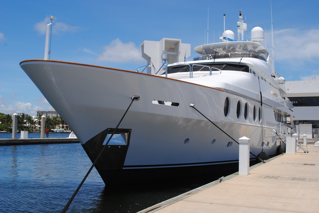 Yachting Trip Alternative to Hotel - AssistAnt Travel