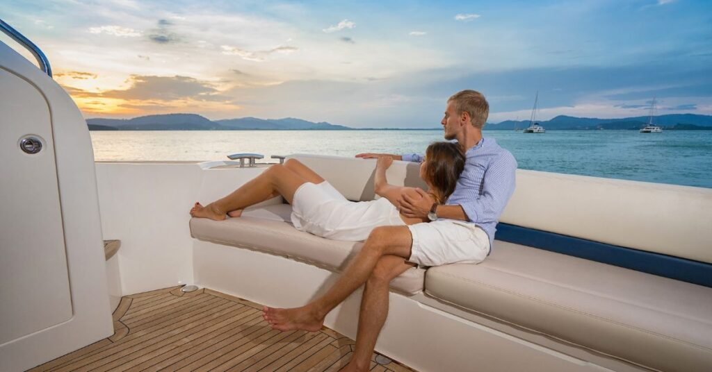 Yacht Charter & Motorboat Rental