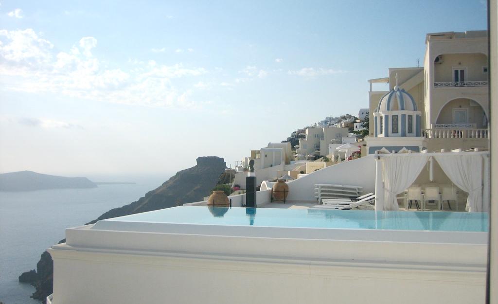 Luxury Resorts Santorini Greece - AssistAnt Travel