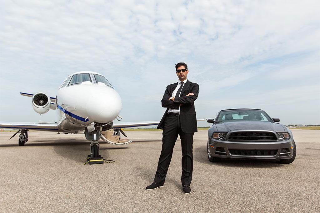 Essential-Guide-VIP-Chauffeur-Service-in-Dubai.AssistAnt