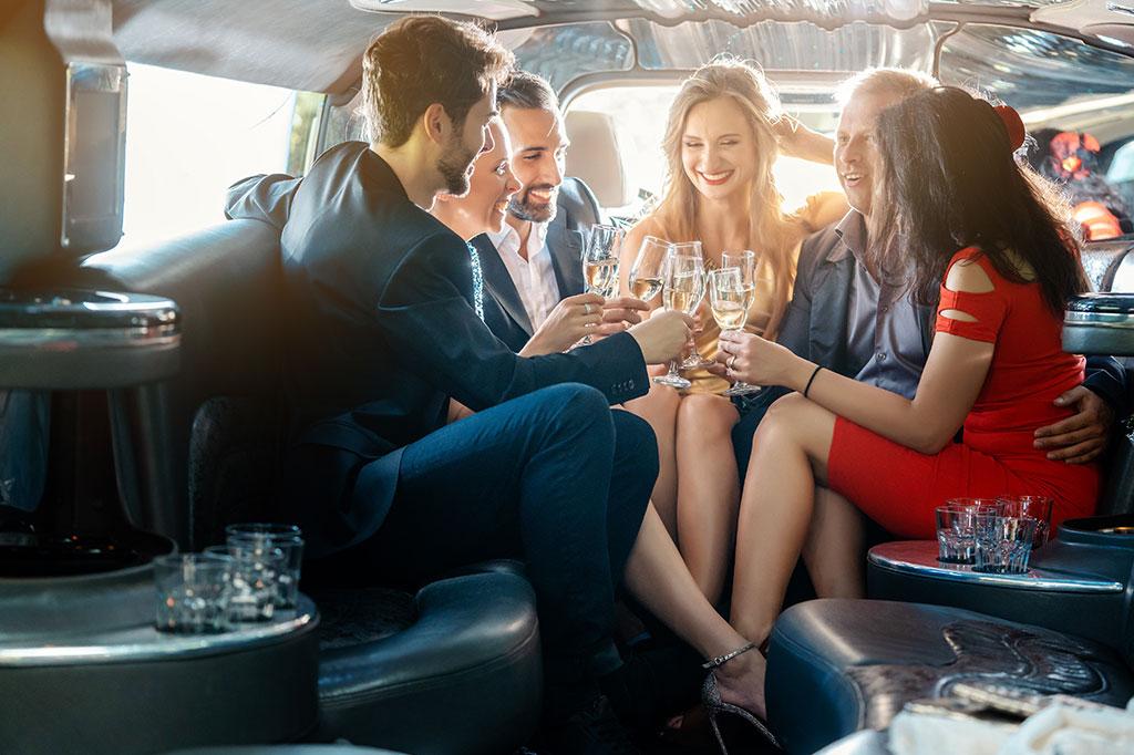 Essential-Guide_-VIP-Chauffeur-Service-in-Dubai.AssistAnt