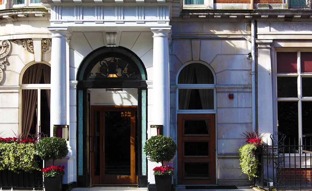Can-You-Help-Me-Find-A-Luxury-Hotel-In-London-ASA